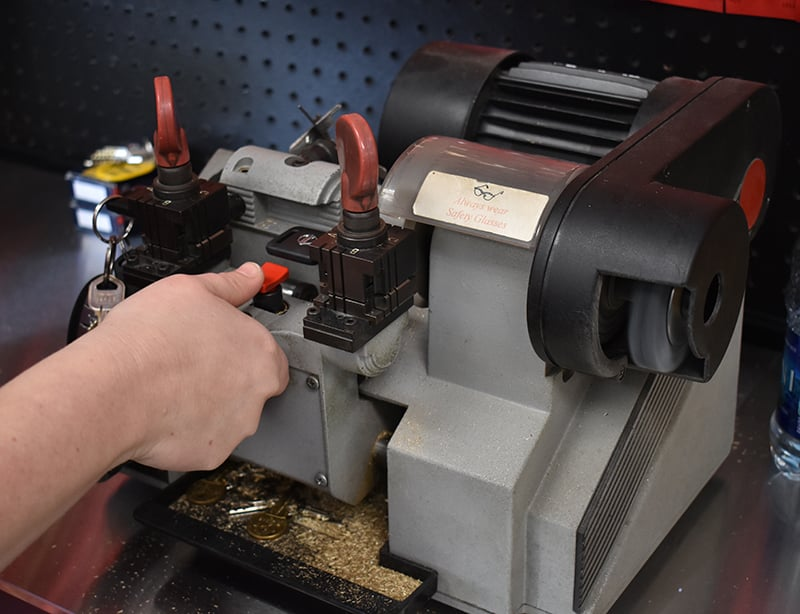 image of a professional key cutting machine
